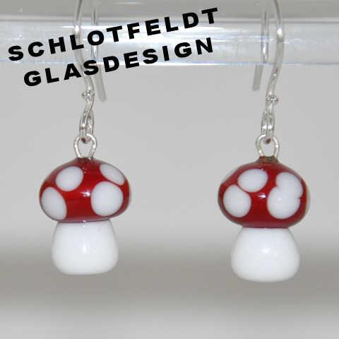 Red Sponge Earrings of glass with silver hook from Schlotfeldts-Glasdesign design Svaneke on Bornholm.