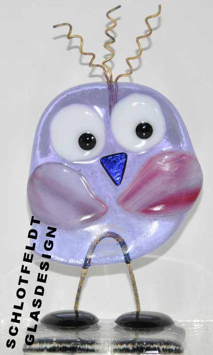 Shy Lady Bird Light Purple made of glass from Schlotfeldts-Glasdesign Svaneke on Bornholm