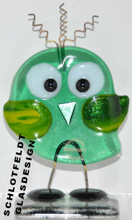 Shy Master Bird Green made of glass from Schlotfeldts-Glasdesign Svaneke on Bornholm