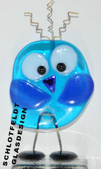 Shy Lady Bird turquoise made of glass from Schlotfeldts-Glasdesign Svaneke on Bornholm