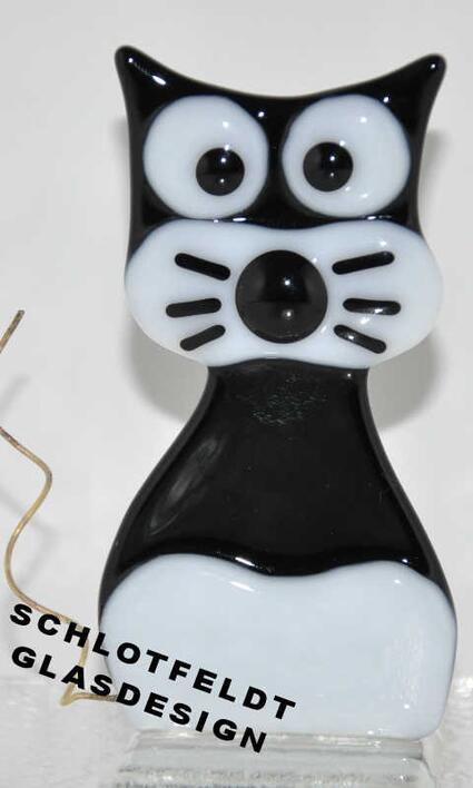Small Black Cat of Glass from Schlotfeldts-Glasdesign Svaneke on Bornholm