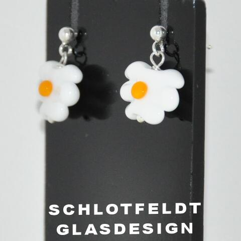 Flower Earrings of Glass with Silver Stick from Schlotfeldts glass design Svaneke on Bornholm.